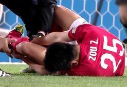 Barcelona maçında Zou Zhengin bacağı kırıldı