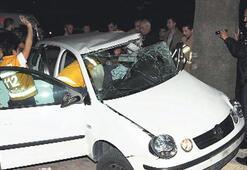 Sarhoş sürücü ağaca çarptı