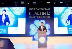 Ford Otosan çalışanlarına  Altın İz Hizmet Ödülleri takdim edildi