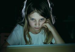 Çocuklarınızı sanal alemde yalnız bırakmayın