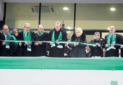 Timsah Arena'ya  görkemli açılış