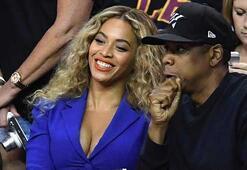 Beyonceun fotoğrafı Instagramda rekor kırdı