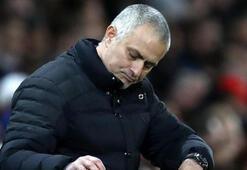 Mourinho, muhabirinin sorusuna sinirlenerek röportajı yarıda bıraktı