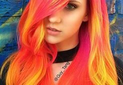 Saçlarda yeni moda: Neon