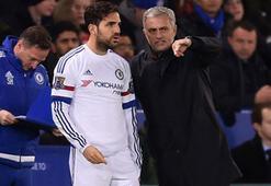 Chelseade Mourinhonun gidişinden sorumlu tutulan Cesc Fabregas zor günler yaşıyor