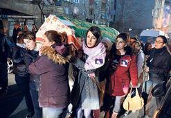 Sinem'in tabutunu kadınlar omuzladı