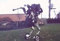 Boston Dynamicsin yeni robotu diğerlerinden çok farklı