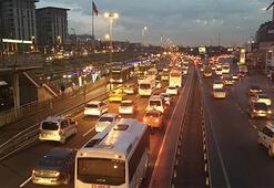 İstanbul trafiğinde 'okul servisi' yoğunluğu