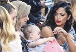Camila Alves bebeklerin dilinden anlıyor