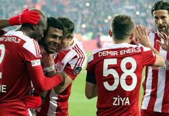 Sivasspor şampiyonluk adaylarına geçit vermiyor