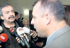 Önder'den görevliye basın tepkisi