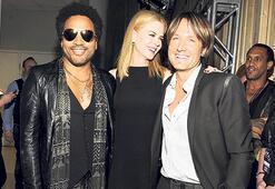 Nicole Kidman ile Kravitz nişan atmış