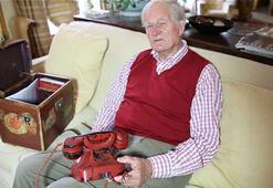 Hitlerin kanlı telefonu satıldı