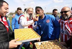 Antalyasporun şekeri çıktı