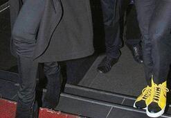 Tümer Metinin ayakkabıları sosyal medyayı salladı
