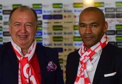 Antalyaspor, Morais ile sözleşme imzaladı