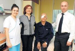 64 yaşındaki hastaya kornea nakli yapıldı