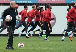 Galatasarayda Mustafa Denizli 6 ismin biletini kesti