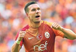 Lukas Podolski resmileşti