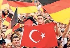 'Bağımlılık artıyor  Türkçe unutuluyor'