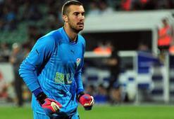 Bursaspor kalecisi Harun Tekin 8 penaltının 4'ünü kurtardı