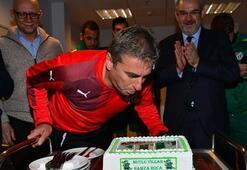 Hamzaoğluna sürpriz doğum günü