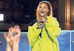 Rihanna'nın üniversite aşkı