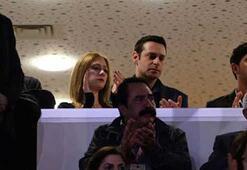 CHP Kurultayına kız arkadaşıyla katıldı