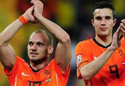Hollanda aday kadrosunu açıkladı Sneijder sürprizi…