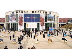 Berlin fuarı'nda tatil izdihamı