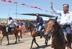 Rahvan at yarışını 10 bin kişi izledi