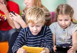 Sosyal medyada çocuklara kötü örnek oluyoruz
