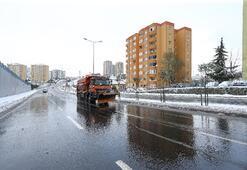 İstanbul'da kırmızı alarm: Ekipler kar nöbetinde