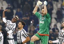 Napoli kaçıyor,  Juventus kovalıyor