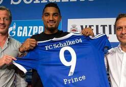 Schalke Boateng ile güçlendi