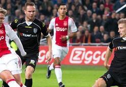 Ajax, puan kaybına  rağmen liderliğini korudu