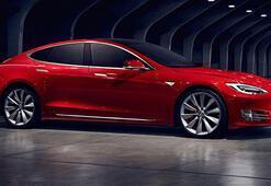 Tesla Model S'ten aynı gün içerisinde iki dünya rekoru