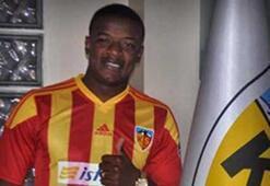 Kayserispor transferde 4 futbolcu transfer ederken, 4 isimle yolları ayırdı