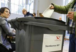 Hollandada meclise giren 7 Türk milletvekili yemin etti
