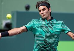 Federerin bileği bükülmüyor
