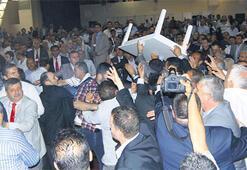 MHP Kongresi'nde kıyamet koptu
