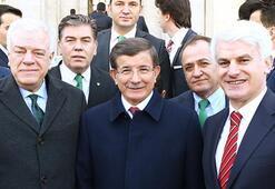 Bursaspordan Ahmet Davutoğluna ziyaret