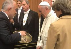 Kızılay Genel Başkanı Kınık, Papa Franciscus ile görüştü