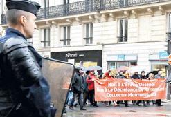 Fransa özgürlüğü feda mı edecek