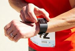 Fitbit akıllı saatlerin çıkış tarihini erteledi