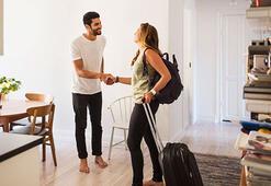 Airbnbden buldukları evleri soydular