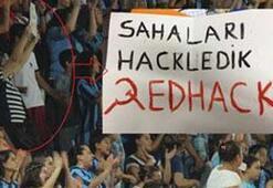 Maçta siyasi pankart açan kadına men cezası