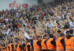 Ergin Ataman için olay pankart