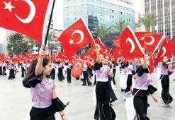 İzmir'de 23 Nisan provası yapıldı