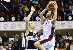 Gaziantep Basketbol: 59 - Beşiktaş Sompo Japan: 67